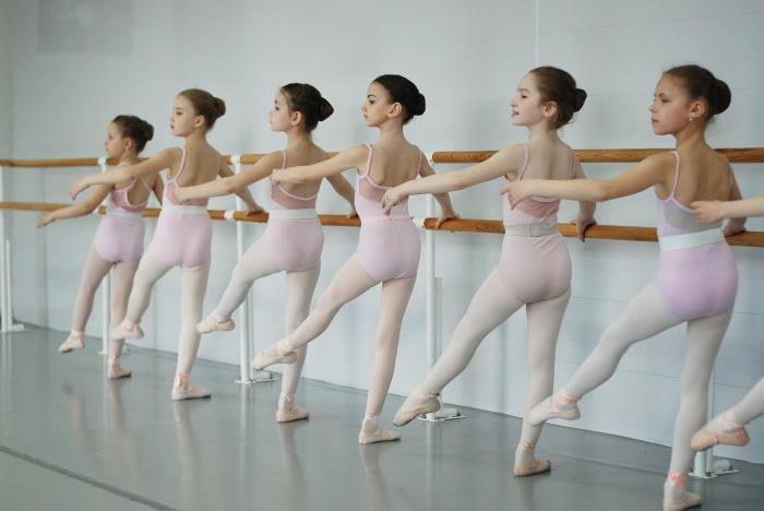 Pin de Rebeckavasqz en Dance | Chicas de ballet, Fotos de danza, Fotografía de ballet
