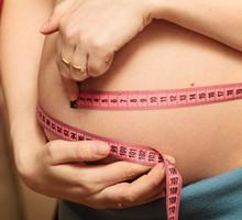 Cinq raisons pour ne pas angoisser avec son poids pendant ses règles - Karine Gravel