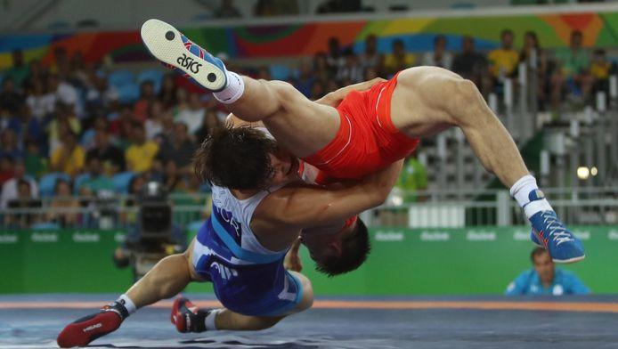 Perte de poids et entraînement : le quotidien des lutteurs avant le Tournoi de Paris - L'Équipe