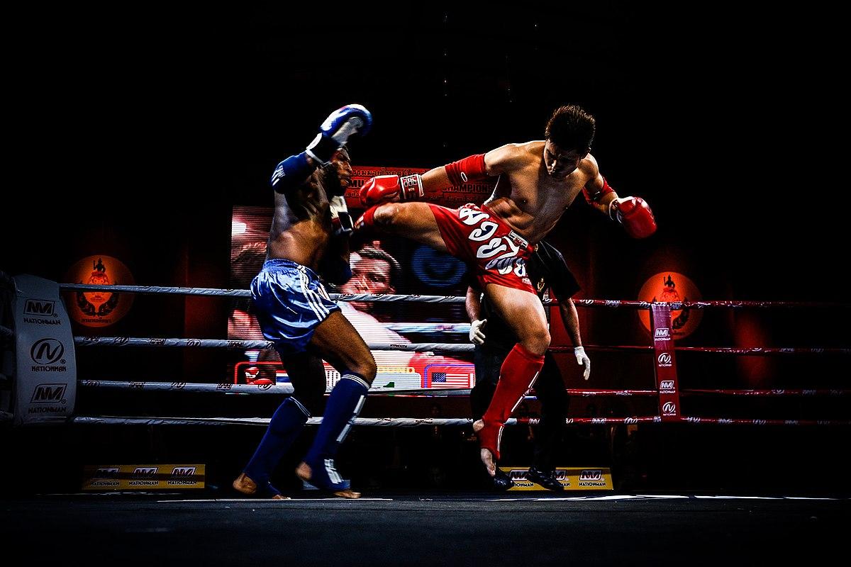 Un camp de boxe thaï pour maigrir
