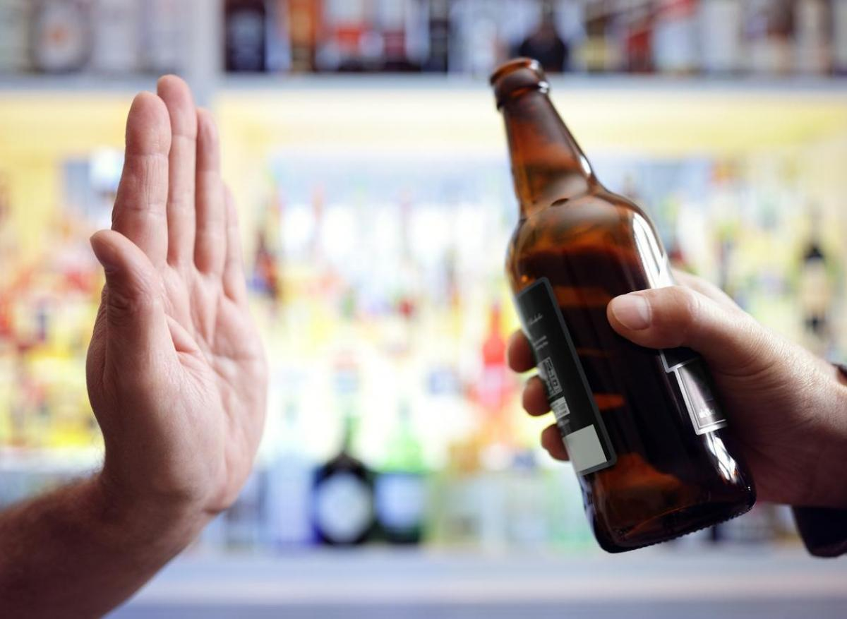 Régime : l'alcool, un allié surprenant pour perdre du poids ? - Elle