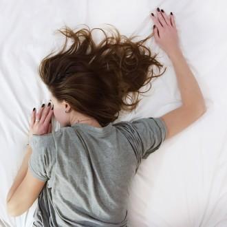 est-ce que je perds du poids en dormant